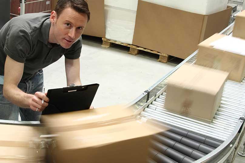 Le contrôle d'entrée ou contrôle réception est l'opération qui permet de statuer sur la validité d'un lot de pièces ou de composants d'un fournisseur