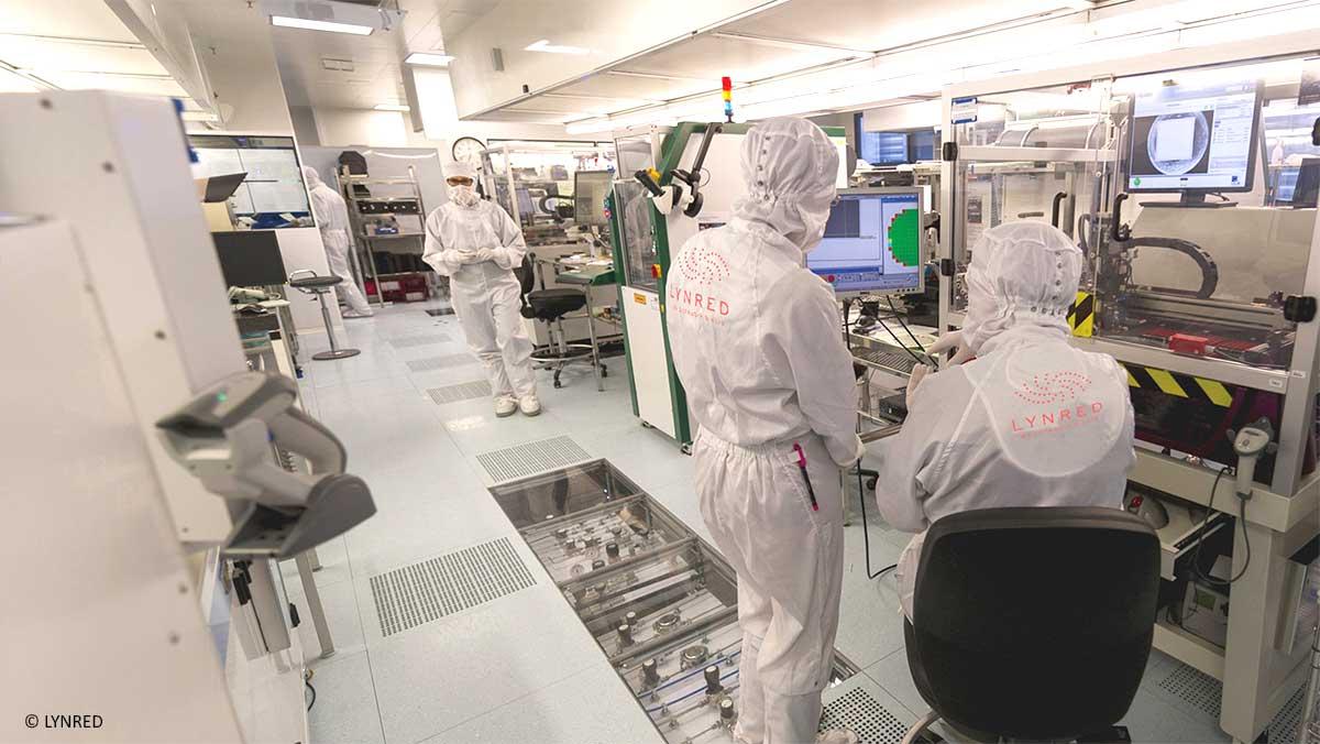 Chez LYNRED, leader mondial dans le développement et la production de technologies infrarouges de haute qualité, travail en salle blanche équipée du logiciel Qualaxy SPC d'Infodream
